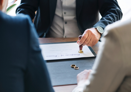 When Do You Need a Commercial Law Firm?